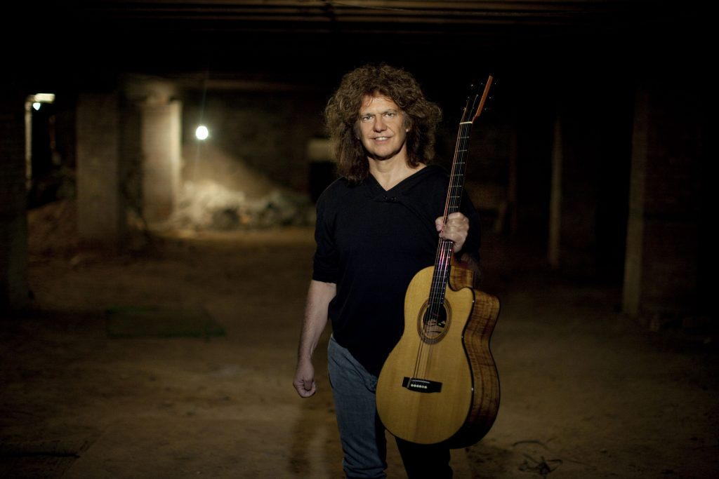 Pat Metheny To Release Two New Als On May 6