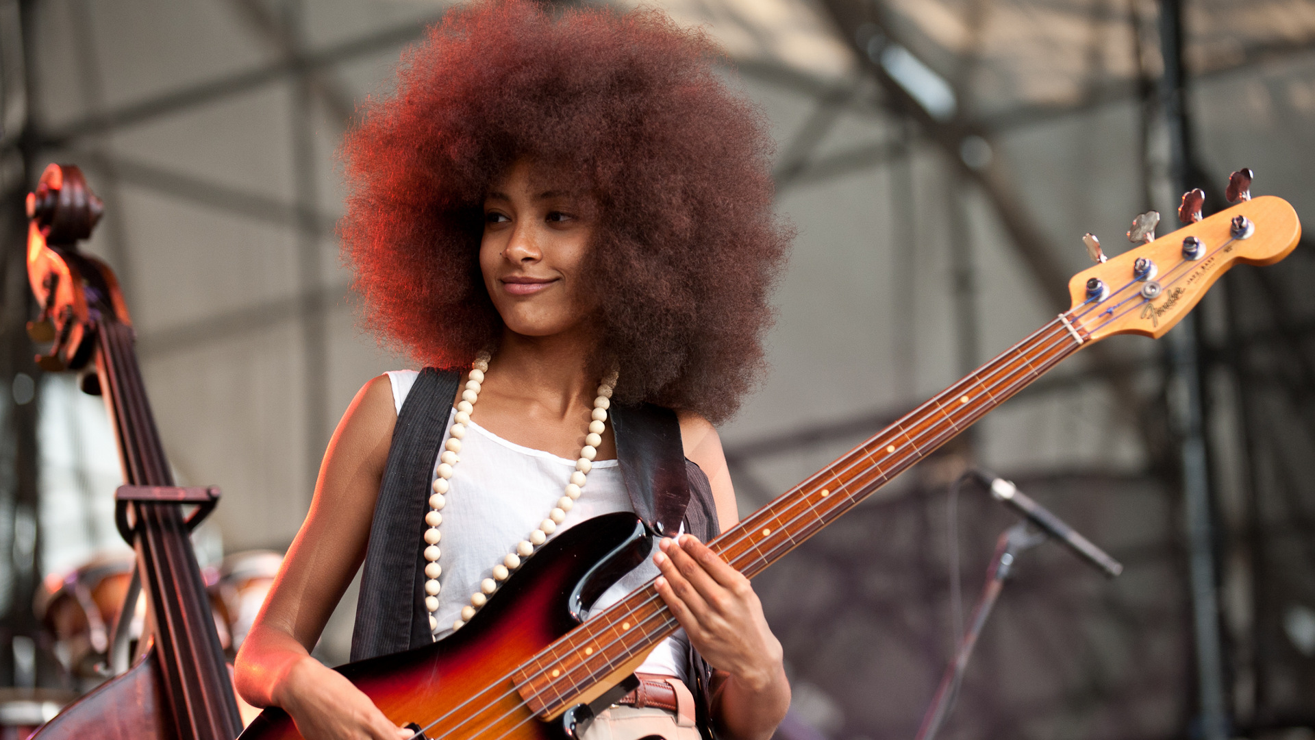 Esperanza Spalding to record next album live of Facebook